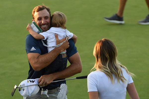 Sobre el jugador norteamericano volvió a planear la sombra de sus anteriores US Open. Foto: @PGATour