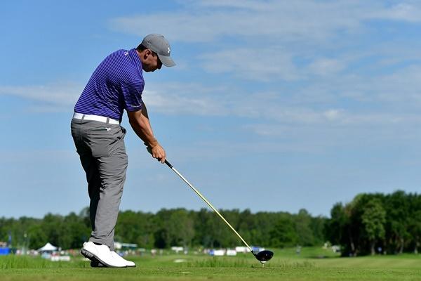 El golfista inglés hace amago de reventar el torneo con un increíble 65. Foto: @EuropeanTour