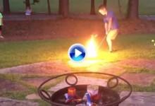 Un chip para incendiarlos a todos. Un joven enseña cómo encender los petardos con un wedge (VÍDEO)
