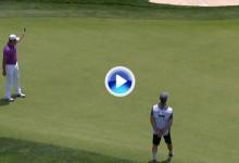Vean el increíble putt de Jon Rahm jugando con el contorno del green para firmar el birdie (VÍDEO)