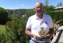 Pepe Dávila hace gala de su veteranía y experiencia para imponerse en el Nuevo Club de Golf de Madrid