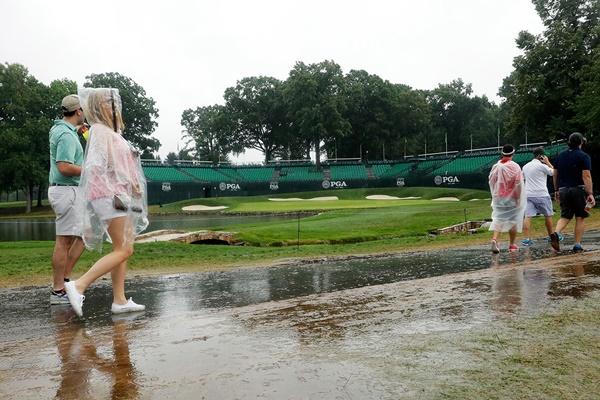 Los pronósticos se cumplieron: las lluvias obligan a suspender la 3ª j. del PGA y podría acabar el lunes