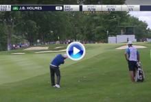 El Golf es duro: J.B. Holmes, Top 20 mundial, golpeó la bola con un hierro 8 y la movió… ¡6 mts! (VÍDEO)