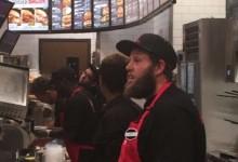 """El nuevo patrocinador de """"Beef"""" para el PGA le obligó a pasar un día de trabajo en un restaurante"""