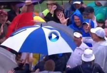 Rich Beem embocó su golpe desde el rough y lo celebró con los fans ¡¡y de que forma!! (VÍDEO)