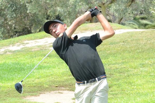 Miguel Bisellach lidera con tres golpes de ventaja en Bonalba. Foto: OpenGolf.es