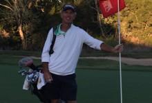 Este hombre está muy cerca de batir el récord Guinness de rondas de golf en un año. ¡Lleva 585!