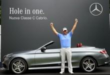 ¡Así se empieza el día! Hace Hoyo en Uno con su primer golpe y se lleva un Mercedes de 61.000€