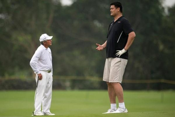 Gary Player Yao Ming @FOXSportsAsia