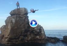 Peterson se la jugó tirándose desde lo alto de una roca al mar: «No siento el lado izquierdo» (VÍDEO)