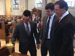 Fowler, Bubba y Lefty ofrecieron, con lágrimas en sus ojos, la Ryder a Arnold Palmer en su funeral