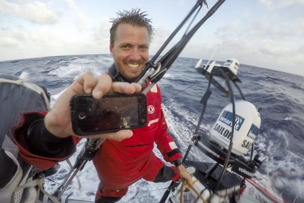 Los regatistas de la Volvo Ocean Race podrán subir material a las redes sociales desde los barcos