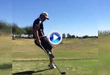 Este tío es un crack con las manos… y los pies. Un Happy Gilmore que mezcla golf y fútbol (VÍDEO)