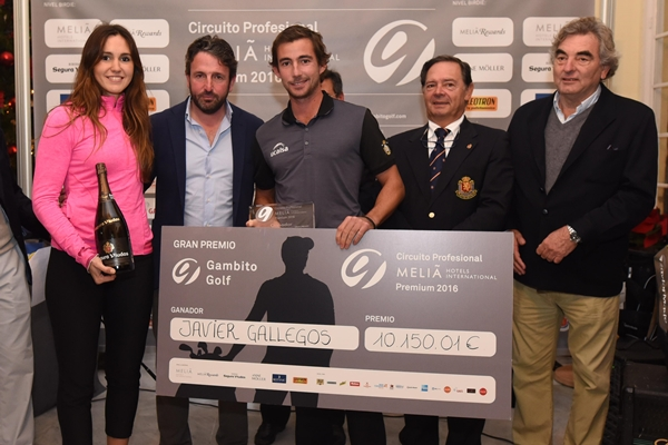 El madrileño Javier Gallegos estrena palmarés profesional con su victoria en el GP Gambito Golf