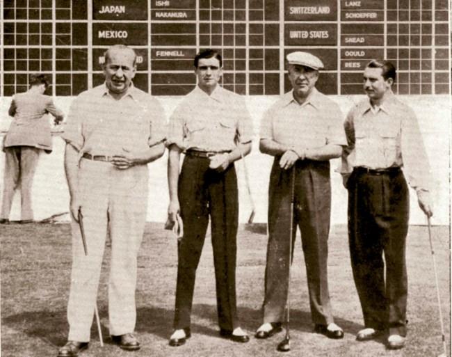 """1954. Primera representación española en la Copa de Canada (Copa del Mundo de Golf) Los jugadores Sebastián Miguel """"El Duque"""" y Carlos Celles """"Carlines"""" (Segundo y cuarto de izquierda a derecha)."""