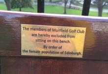 V de Vendetta: Las mujeres de Edimburgo prohíben sentarse en un banco a los miembros de Muirfield