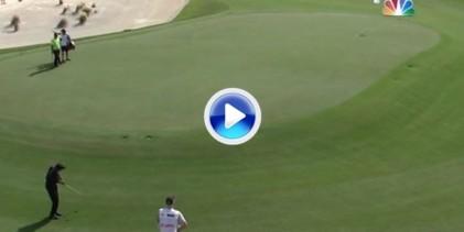15 meses después, Tiger anotó su primer birdie con un gran chip. Fue en Bahamas y no tardó (VÍDEO)