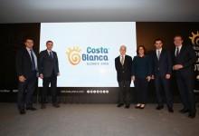 La Diputación de Alicante renueva la marca Costa Blanca. Más universal, moderna y versátil