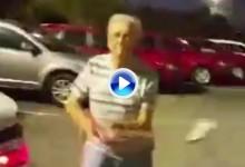 Un octogenario ataca a un vendedor de coches con un palo de golf tras una discusión (Inc. VÍDEO)