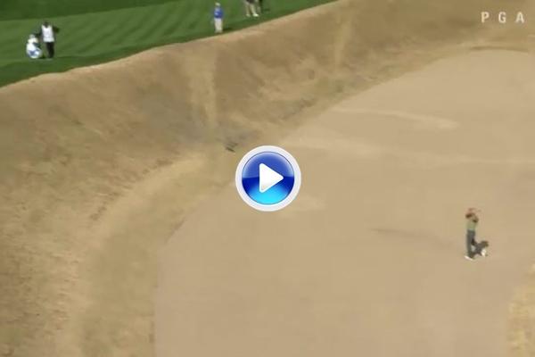 ¡Brutal! El monstruoso bunker del 16 en el West's Stadium hizo estragos entre los golfistas (VÍDEO)