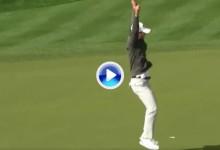 """Lee imitó el famoso """"Mickelson Jump"""" tras lograr un eagle… ¡con el propio Lefty delante! (VÍDEO)"""