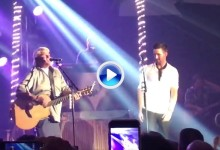 Daly repitió clásico. Interpretó el Knockin' on Heaven's Door junto al cantante Jake Owen (VÍDEO)