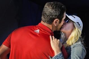 No todos los días se gana en el PGA. Así reaccióno Rahm tras el eagle ganador del 18 (FOTOGALERÍA)
