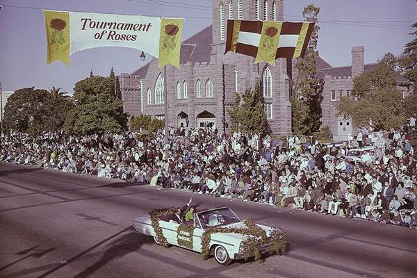 El norteamericano dejó su impronta en este popular desfile hace ya más de cinco décadas. Foto: @TournamentofRoses