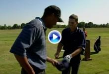 Buscando en el baúl de los recuerdos… Tiger y Sergio, de bromas en el campo de golf (VÍDEO)