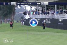 ¿Pero como diablos lo hace? Mickelson anotó el eagle con su golpe mágico, el Flop Shot (VÍDEO)