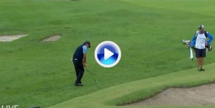 Mickelson arrancó su vuelta con eagle desde el rough marca de la casa. Globito y… dentro (VÍDEO)