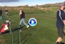 No se pierdan el swing de este golfista, uno de los más extraños que jamás hayan visto (VÍDEO)