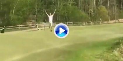 ¡Menudo purazo! Disfruten del gran putt de este amateur jugando con el contorno del green (VÍDEO)