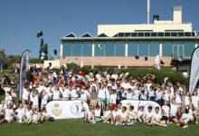"""140 niños sustituyen las aulas por un magnífico día de Golf en El Olivar, con permiso del """"cole"""""""