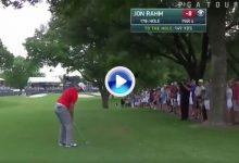 Este golpe mágico de Jon Rahm en el 17 nos hizo soñar con su segunda victoria en el PGA (VÍDEO)