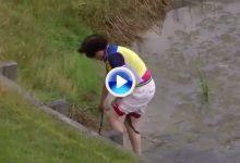La madre de Li se jugó un chapuzón en Francia para rescatar el palo que había lanzado su hijo (VÍDEO)