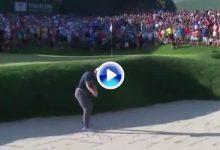 Spieth se colocó a la altura de Tiger con un bunker shot que merecía una gran celebración (VÍDEO)