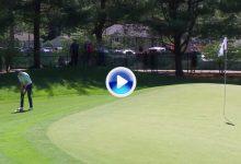 Spieth lanzado a por su 10º triunfo PGA. El texano anotó el golpe del día con un chip de libro (VÍDEO)