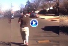 Jugar una madera desde la calle puede ser mala idea, sobre todo si es en medio de la ciudad (VÍDEO)