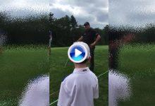 """""""¿Me la juego?"""" Mickelson pidió consejo a un niño sobre lo que debería hacer desde el rough (VÍDEO)"""
