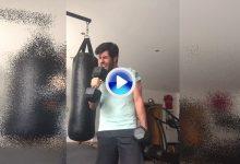 Otaegui utiliza las mancuernas como micro para dedicarle a sus fans un sentido playback (VÍDEO)