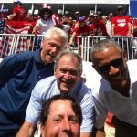 Clinton, Bush y Obama con Mickelson. Selfie