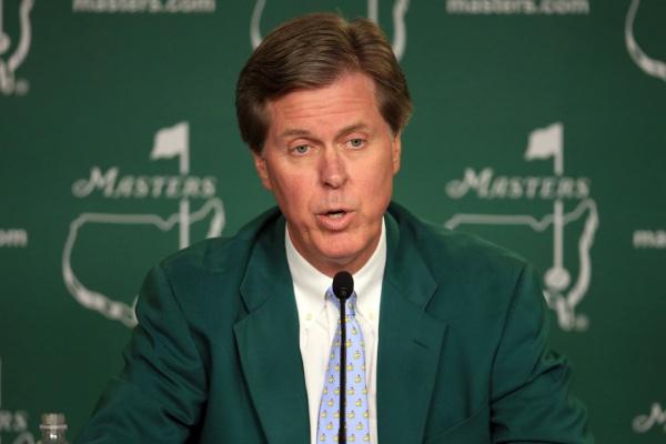 Fred Ridley, presidente del Augusta National, anuncia la cancelación del concurso de pares 3