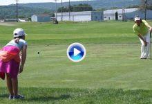 Una joven fan imitó los estiramientos de Jiménez antes de la ronda final de un torneo en USA (VÍDEO)