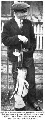 Ángel de la Torre con su set de palos híckory de varilla de madera