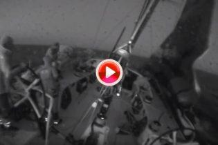 ¡Booomm! El Sun Hung Kai/Scallywag se recupera tras ver cómo una vela se le caía al agua (VÍDEO)