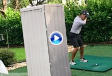 Aprenda a hacer del Flop Shot su arma secreta con una dedicación especial… y un WC portátil (VÍDEO)