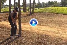 Henrik Stenson sale ileso de entre los árboles pero no así su wedge que se partió por la mitad (VÍDEO)