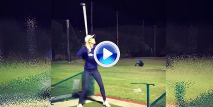 La calidad hecha Trick Shot llega de la mano de esta jugadora. ¡Dos palos para un gran truco! (VÍDEO)