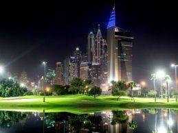 ¡Y se hizo la luz! El Omega Dubai Desert Classic contará con reflectores lumínicos en el 9 y el 18